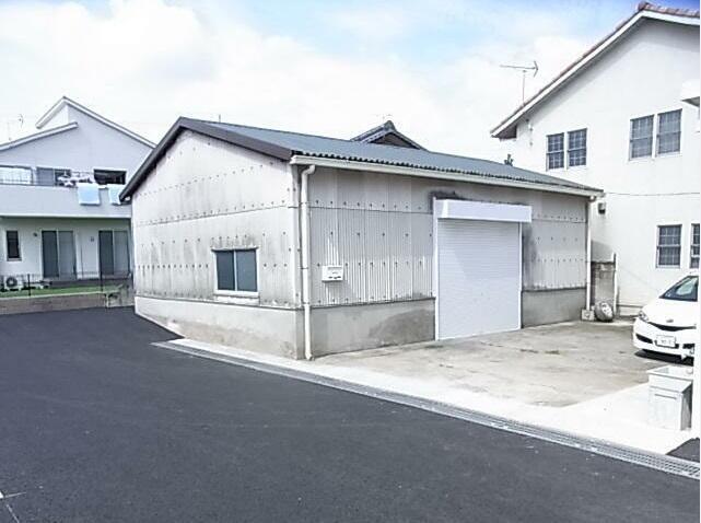 前橋上泉倉庫1階部