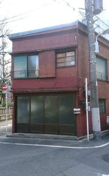 竜泉貸倉庫1階部分