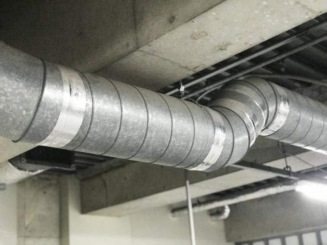 倉庫内で空調設備が原因でトラブルに発展した事例を紹介